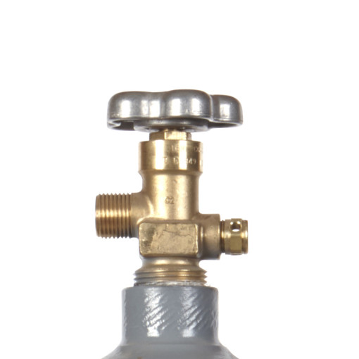 Beverage Elements 20 lb co2 cylinder valve closeup